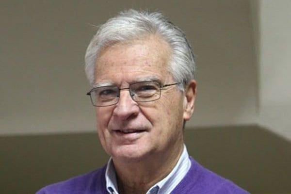 """Andras Uthoff: """"El actual sistema de pensiones es el desastre neoliberal más grande que ha existido"""""""